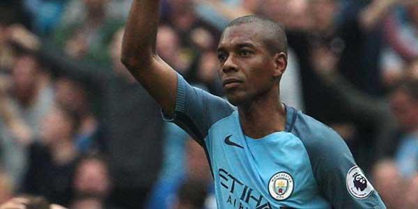 Fernandinho Tercatat Sebagai Salah Satu Gelandang Terbaik